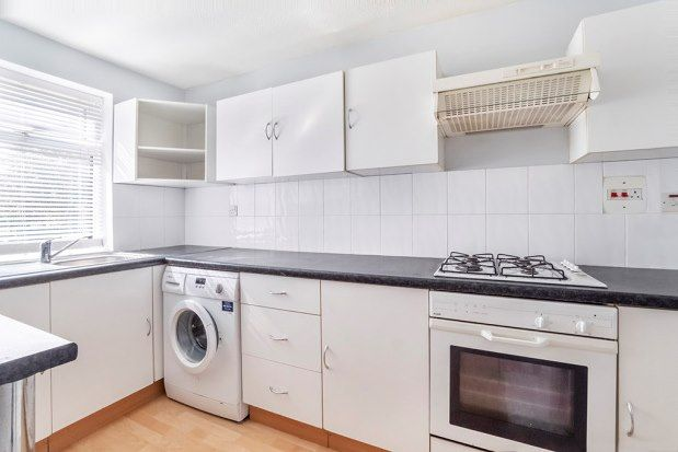 2 bed terraced house to rent in Heslington Road, York YO10