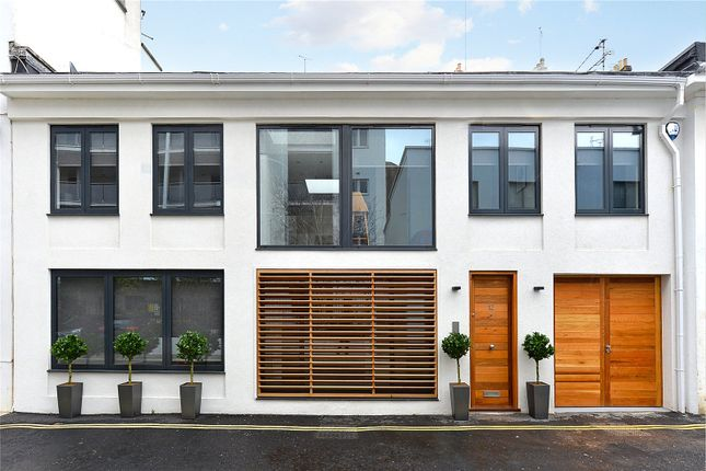 Thumbnail Mews house for sale in Rede Place, Notting Hill, London