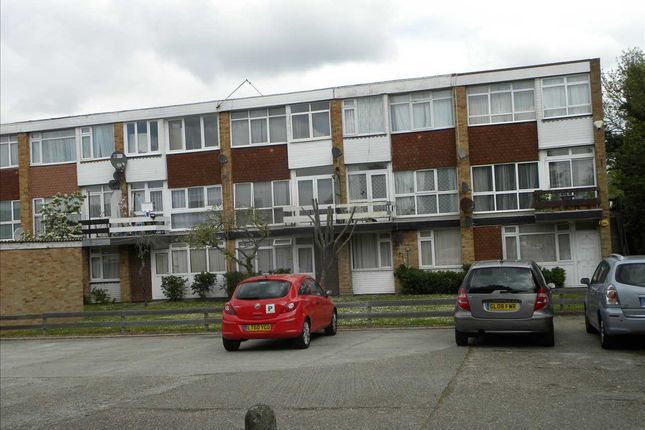Thumbnail Flat for sale in Belvedere Mansions, Clive Court, Slough