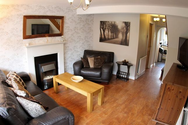 Thumbnail Terraced house for sale in Middlewich Road, Northwich, Cheshire.