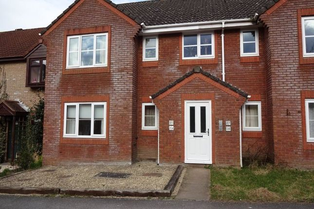 Thumbnail Flat to rent in Maud Close, Devizes, Wiltshire