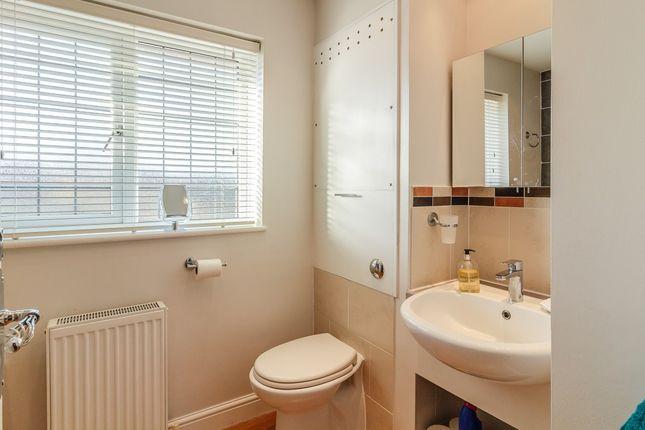 Thong Lane Gravesend Kent Da12 4 Bedroom Semi Detached House For Sale 45678230 Primelocation