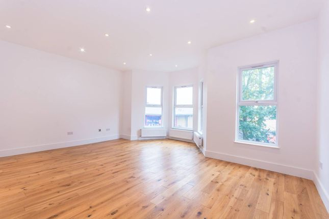 Flat for sale in Lordship Lane, Wood Green