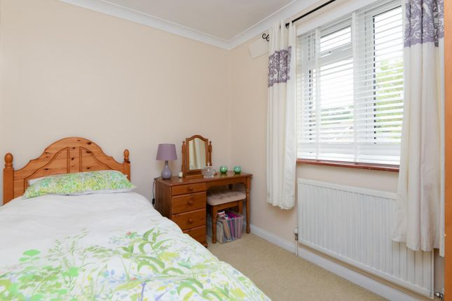 Bedroom of Ross Gardens, Rough Common, Canterbury CT2