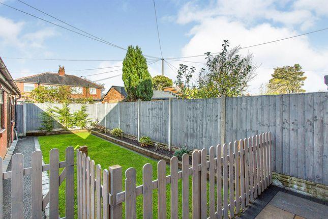 Photography of Moor Avenue, Penwortham, Preston PR1