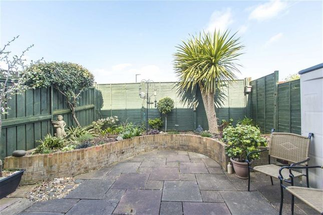 Cerney lane shirehampton bristol bs11 2 bedroom end for 64 rustic terrace bristol ct