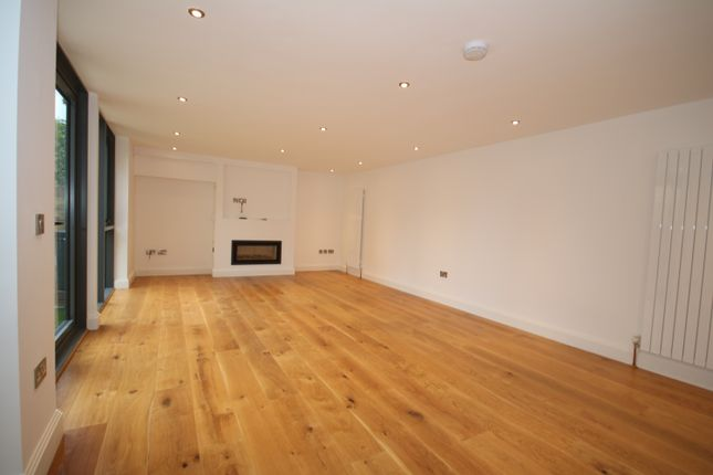 Thumbnail Mews house to rent in Rushgrove Mews, Woolwich