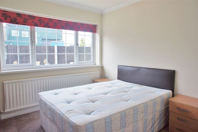 Thumbnail Flat to rent in Town Lane, Stanwell, Middlesex