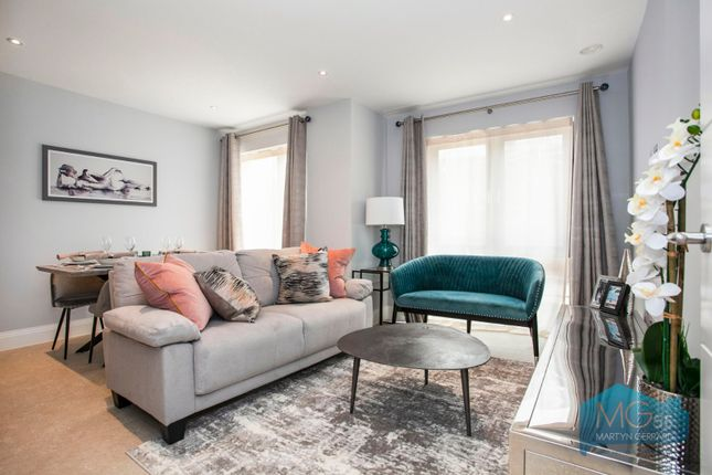 2 bed flat for sale in Higbey Lodge, 25 Oakleigh Road North, Whetstone, London N20