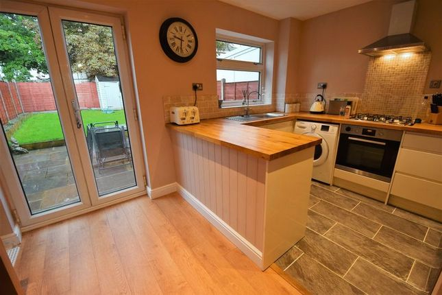 2 bed terraced house to rent in Eagle Drive, Flitwick, Bedford MK45