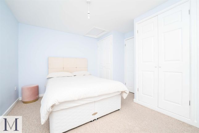 Terraced house for sale in Beaulieu Close, Hounslow