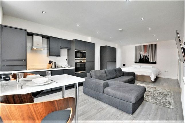 Thumbnail Flat to rent in Coronation Walk, Southport