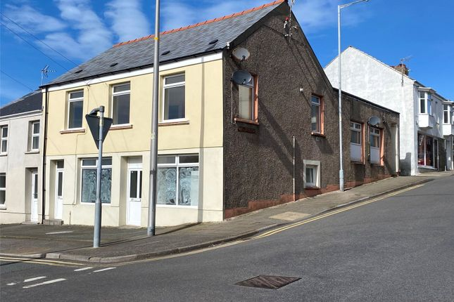 Thumbnail Flat for sale in Robert Street, Milford Haven, Pembrokeshire