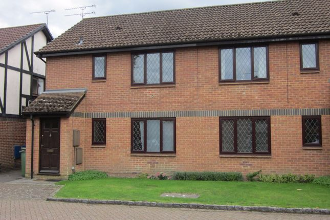 Thumbnail Flat for sale in Drayhorse Drive, Bagshot