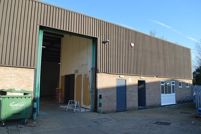 Thumbnail Warehouse to let in Coldhams Road, Cambridge