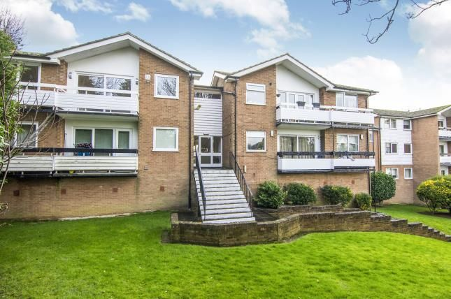Thumbnail Flat for sale in Epping, Essex