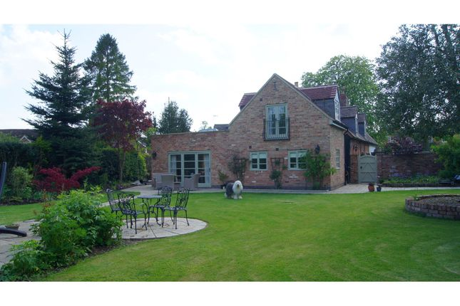Thumbnail Cottage for sale in Park Lane, Bonehill