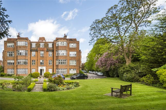 Thumbnail Flat for sale in Highlands Heath, Putney, London