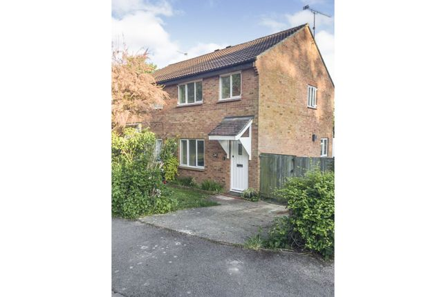 3 bed semi-detached house for sale in Appledown Close, Alresford SO24