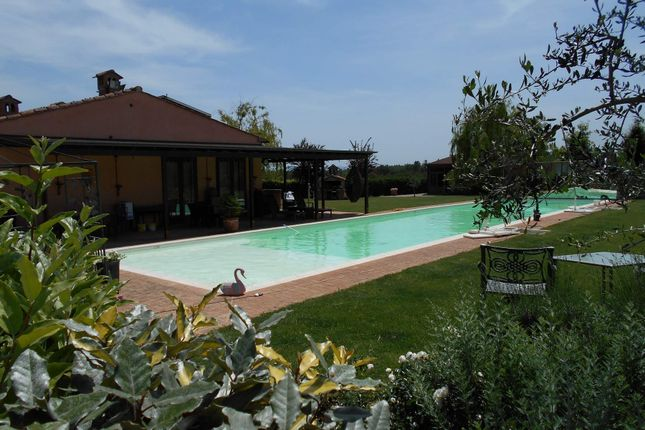 8 bed town house for sale in 06061 Castiglione Del Lago Pg, Italy
