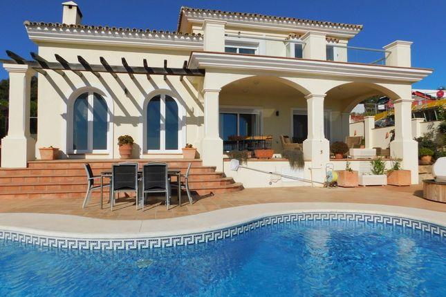Thumbnail Villa for sale in Urb. La Paloma, Duquesa, Manilva, Málaga, Andalusia, Spain