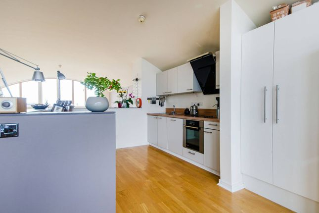 Thumbnail Flat to rent in Mudlarks Boulevard, Greenwich Millennium Village
