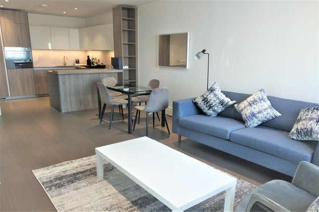 2 bed flat to rent in Hamond Court, Queenshurst Square, Kingston Upon Thames KT2