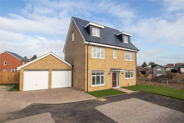 Thumbnail Detached house for sale in Field View, Wethersfield, Essex