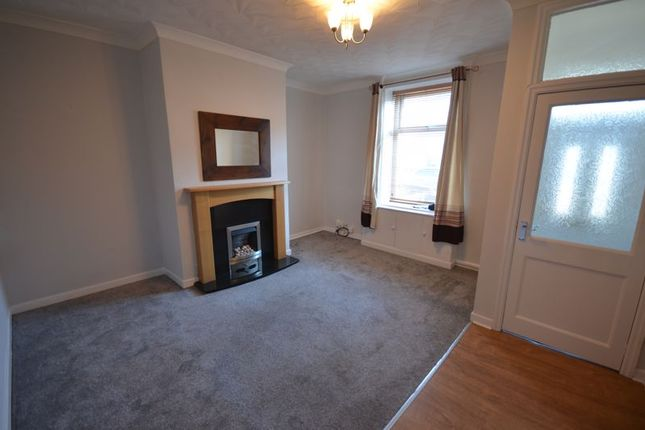 2 bed terraced house to rent in George Street, Oswaldtwistle, Accrington BB5