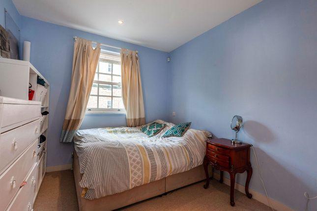Bedroom of Langley Lane, London SW8