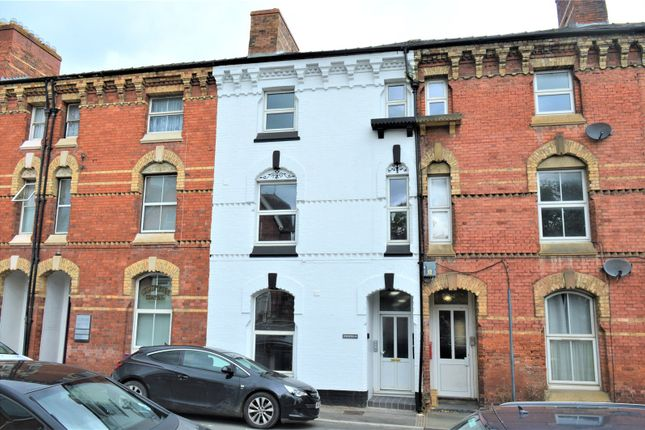 1 bed flat to rent in Clifton Terrace, New Road, Newtown, Powys SY16