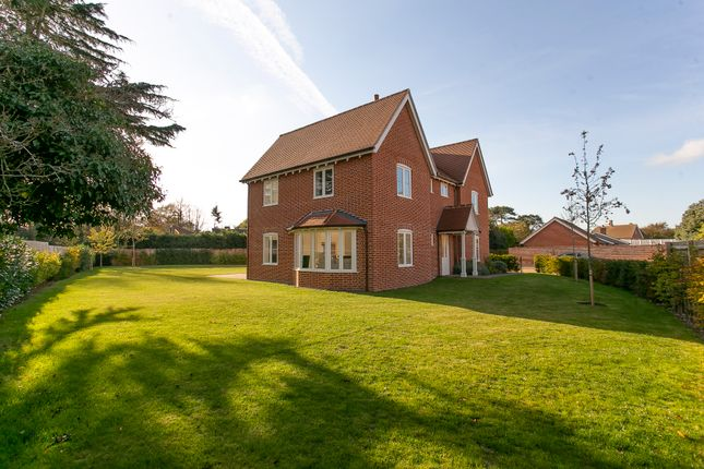 Thumbnail Detached house for sale in Main Road, Woolverstone