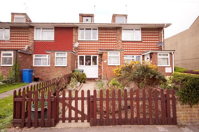 Thumbnail Semi-detached house to rent in Harold Road, Sittingbourne