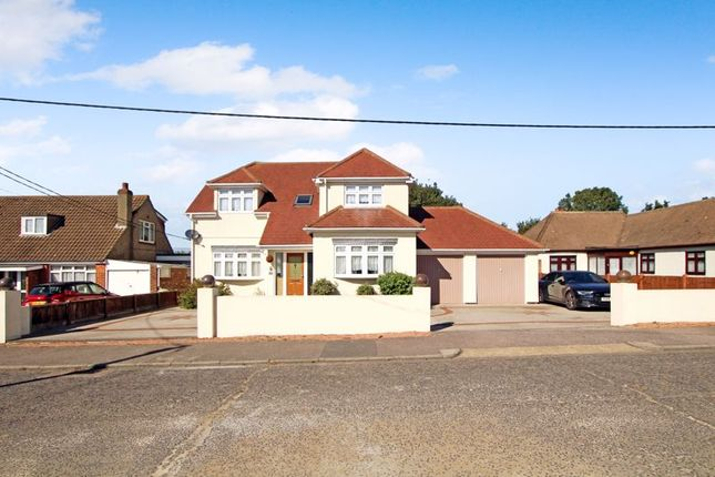 Thumbnail Detached house for sale in Bowers Court Drive, Bowers Gifford, Basildon