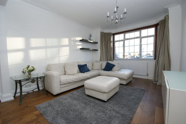 Thumbnail Terraced house to rent in North Acton Road, London