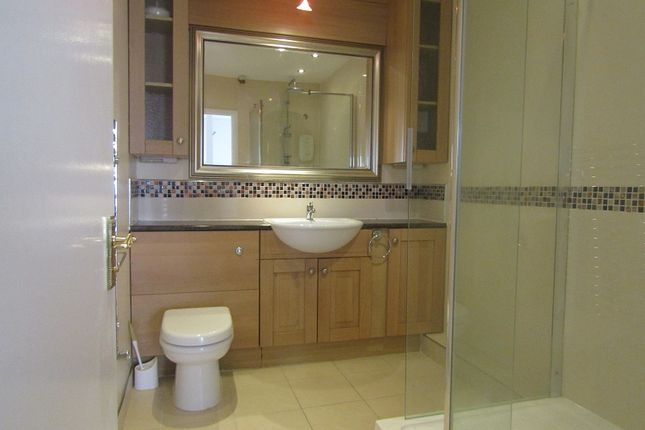Bathroom of Wolmer Gardens, Edgware, Greater London. HA8
