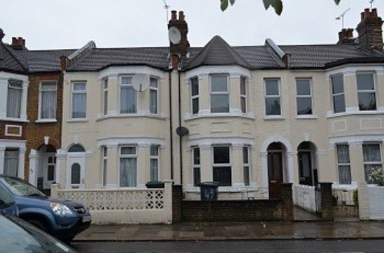 Thumbnail Property to rent in Roseberry Gardens, London
