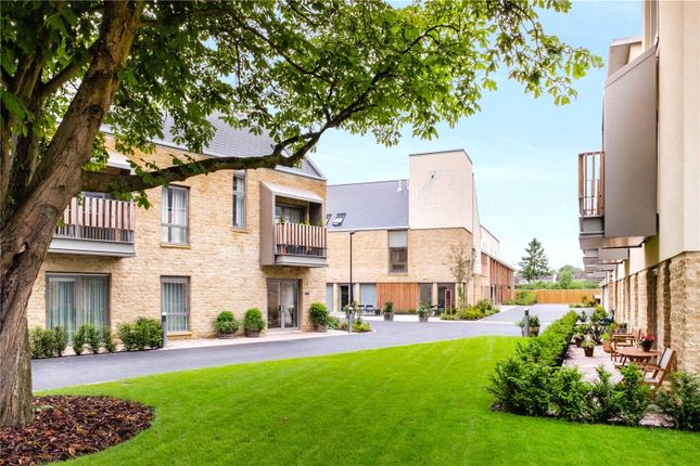 Thumbnail Flat to rent in Steepleton, Cirencester Road, Tetbury, Glos