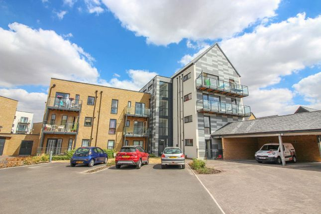 2 bed flat to rent in Crossbill Way, Newhall, Harlow CM17