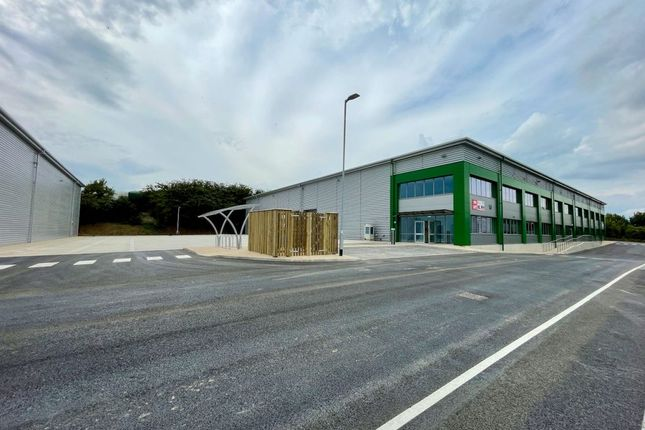 Thumbnail Industrial to let in Logistics City Luton, Kingsway, Luton, Bedfordshire