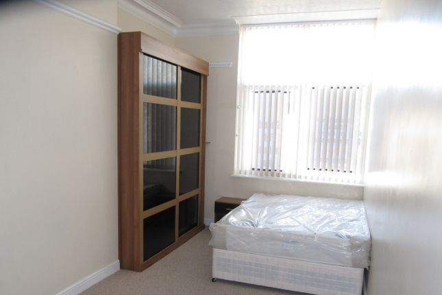 Thumbnail Triplex to rent in London Road, Sheffield