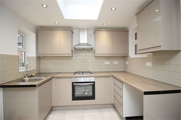 4 bed terraced house to rent in Downsell Road, Stratford, London E15
