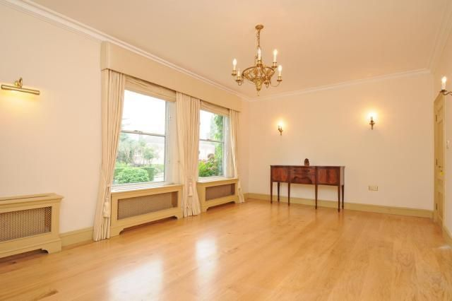 Thumbnail Detached house to rent in Winnington Road, London N2,