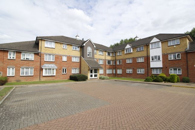 2 bed flat for sale in Uxbridge Road, Pinner, Middlesex HA5