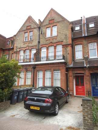 Room to rent in Ashlake Road, Streatham