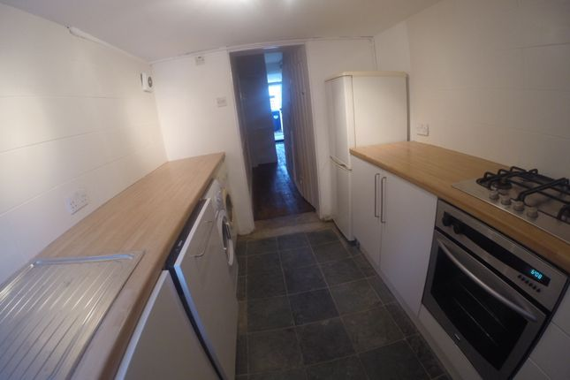 Thumbnail Terraced house to rent in Long Lane, Finchley Central