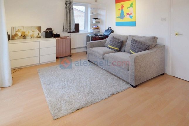 1 bed flat to rent in Caledonian Wharf, London