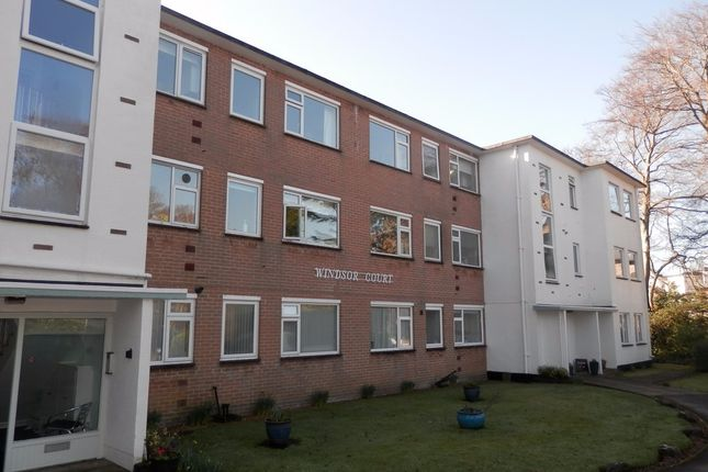2 bed flat to rent in 1 Windsor Road, Poole