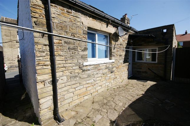 Thumbnail Bungalow to rent in Buttershaw Lane, Liversedge