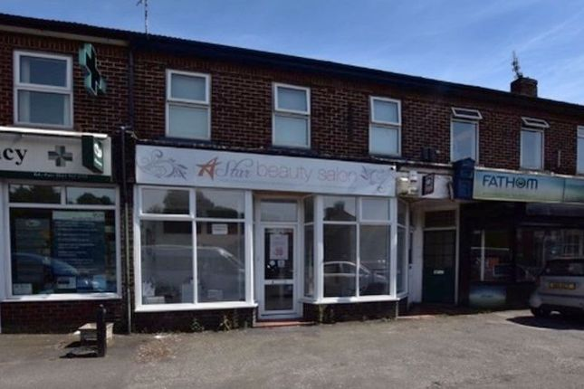 3 bed flat to rent in Manchester Road, West Timperley, Timperley, Altrincham WA14